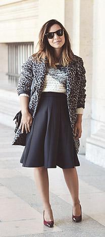 Look de Valentine portant le manteau léopard IKKS