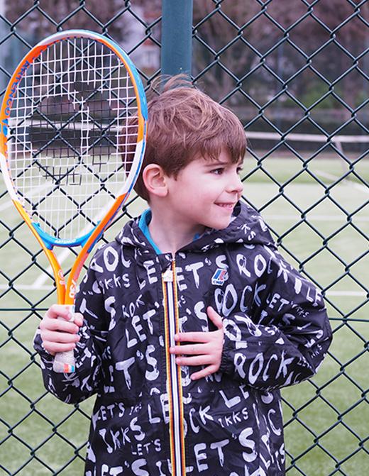 kway enfant IKKS porté par Anatole du blog les Moustachoux